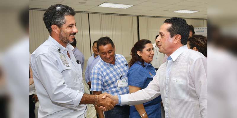 Carlos Joaquín inauguró la red de energía solar en la Universidad Tecnológica de la Riviera Maya