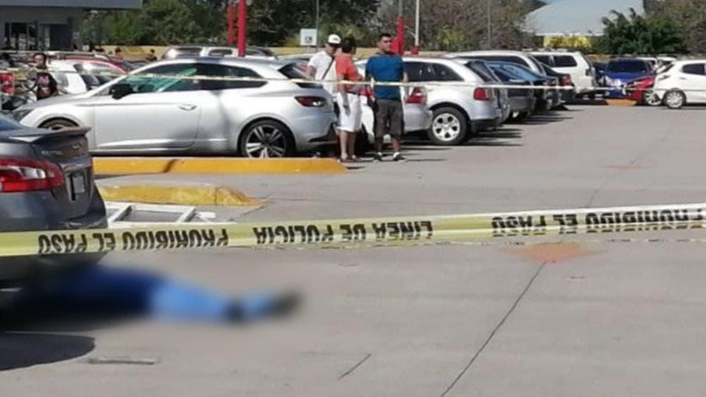 Cancún: Ejecutan a balazos a individuo en el Cancun Mall