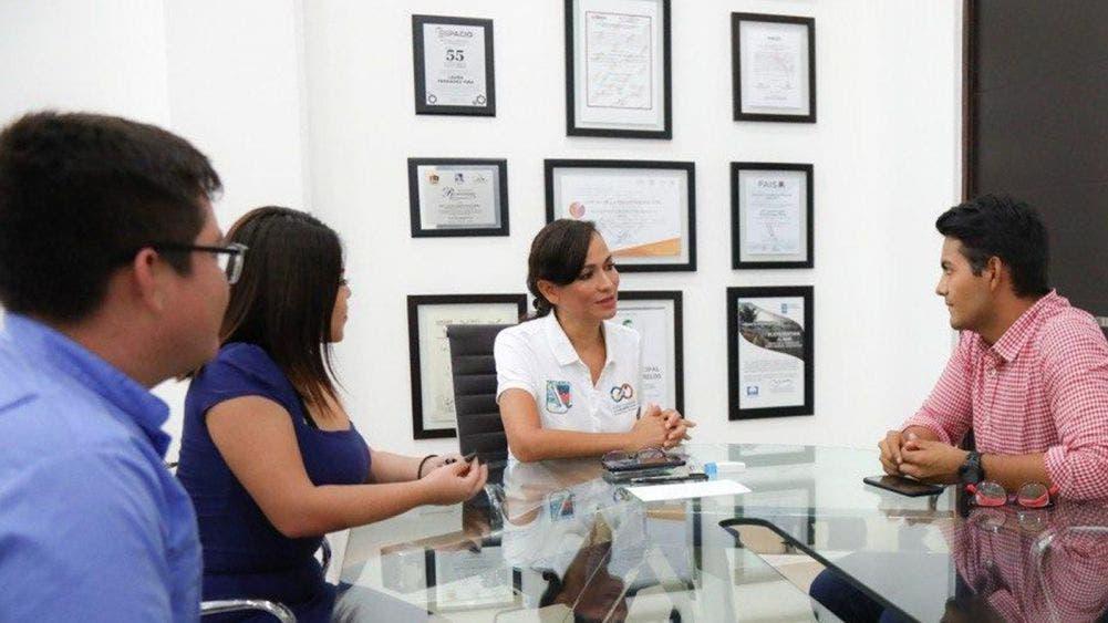 La juventud representa una de las grandes fortalezas de Puerto Morelos: Laura Fernández