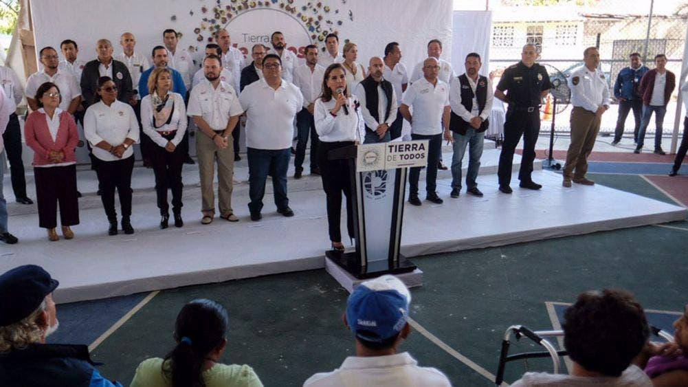 Lleva Mara justicia social a Puerto Juárez
