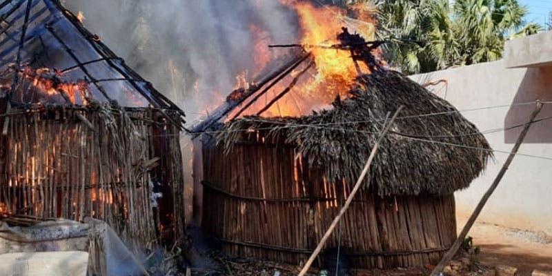 Incendio reduce a cenizas una casita de paja