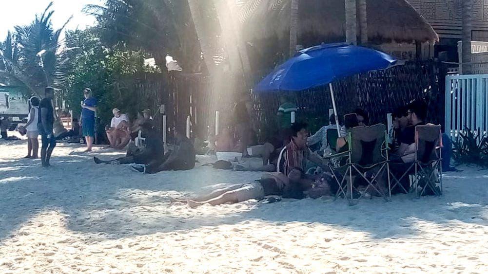 Defienden turistas y portomorelenses playa pública con picnic