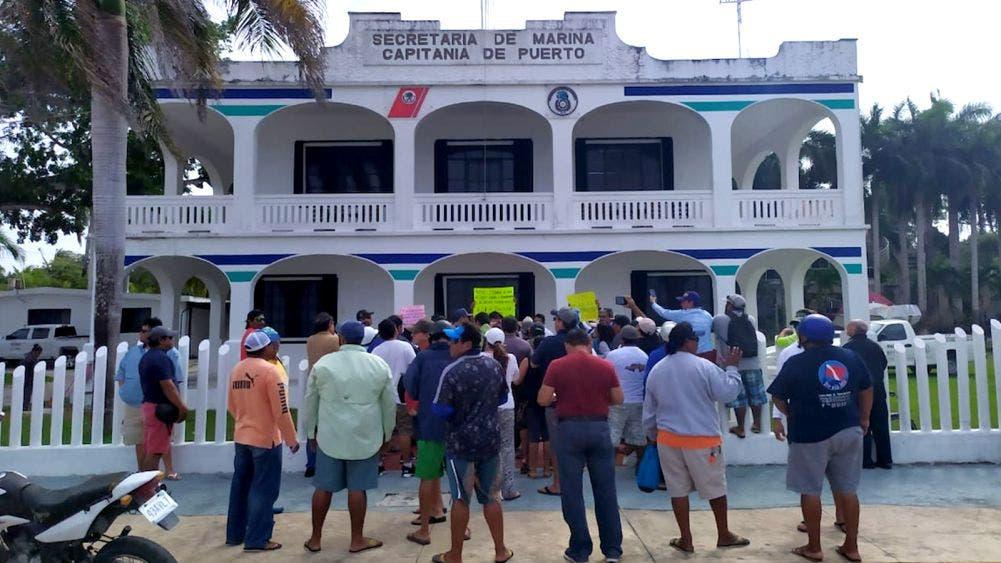 Fructífera reunión de trabajadores naúticos y capitanía de Puerto
