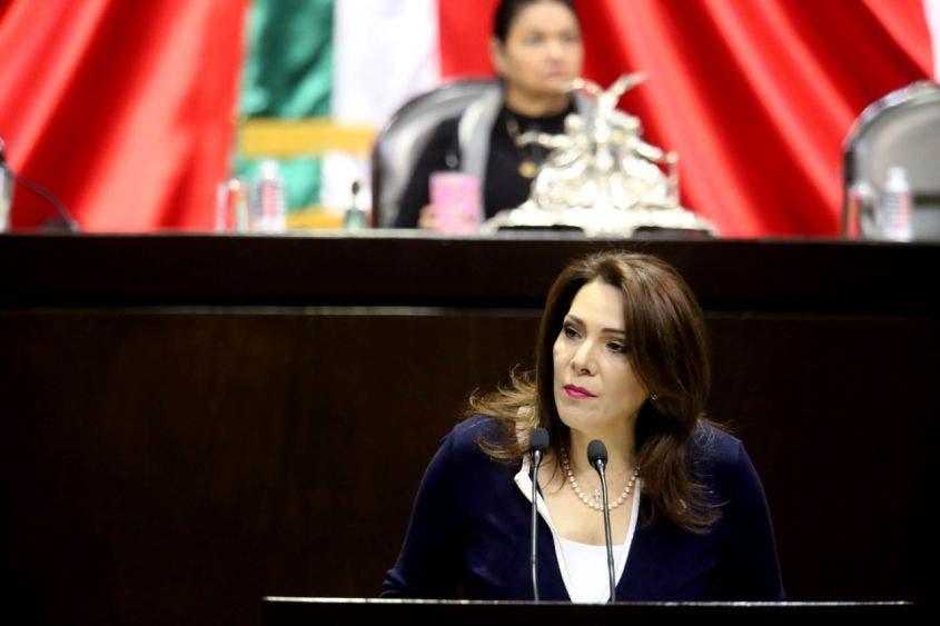 Aprueban Legisladores reforzar protocolos de salud en puertos y aeropuertos de México.