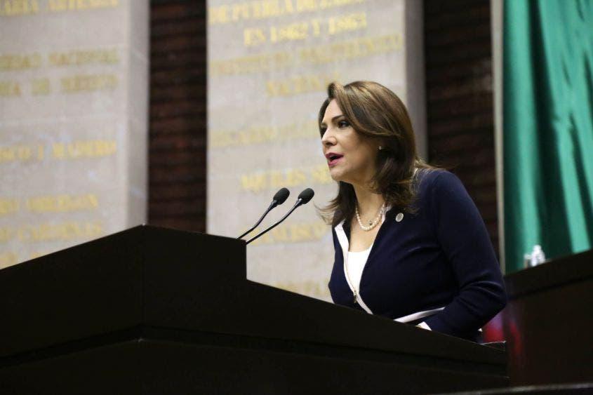Aprueban Legisladores reforzar protocolos de salud en puertos y aeropuertos de México; se adhiere Adriana Teissier a punto de acuerdo.