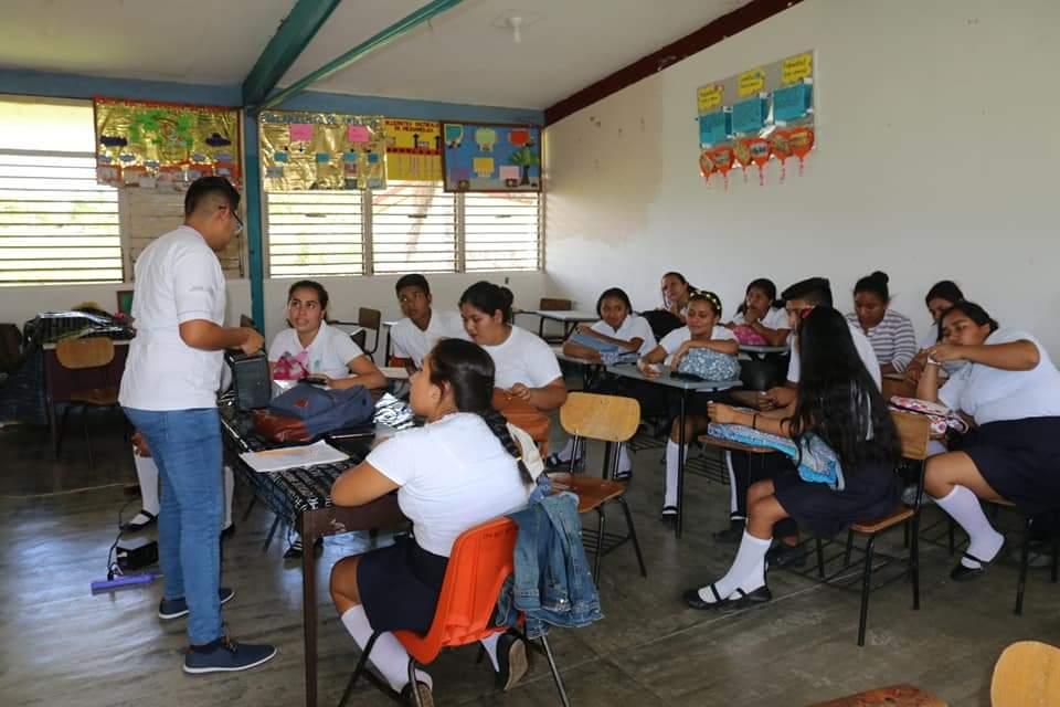 Educación sexual, clave para frenar embarazos no planeados; autoridades llevarán a cabo talleres para concienciar a los jóvenes.