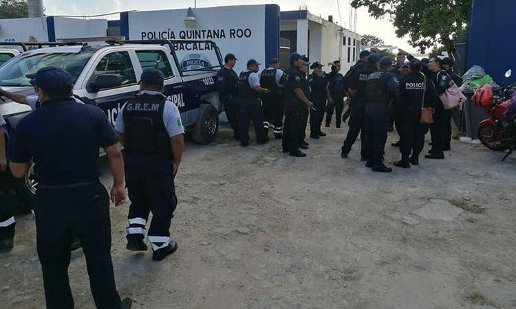 Policías de Bacalar retoman sus funciones; se darán a conocer los acuerdos tomados con el presidente municipal.