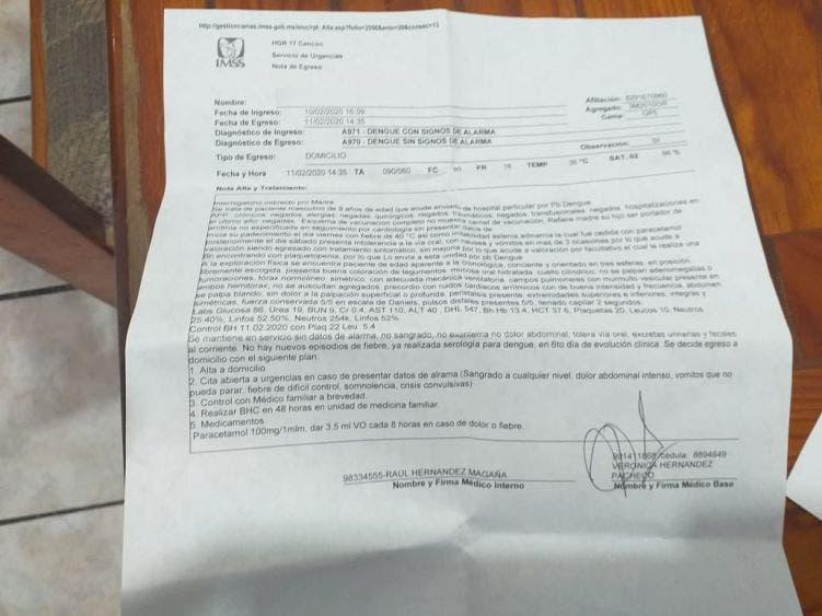 Enferma niño de dengue; pudo contraerlo en primaria de Cancún sin fumigar; padres de familia piden a autoridades tomar cartas en el asunto.