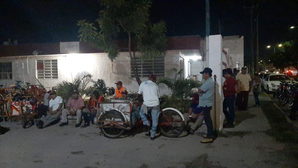 Paro de trabajadores sindicalizados en Othón P. Blanco.