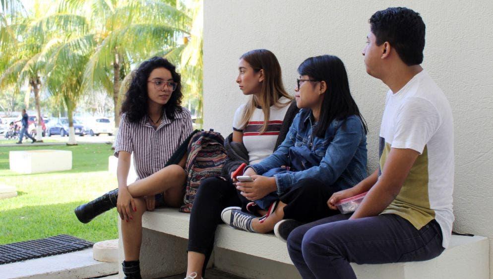 Denuncian alumnas agresiones en inmediaciones de sus escuelas.