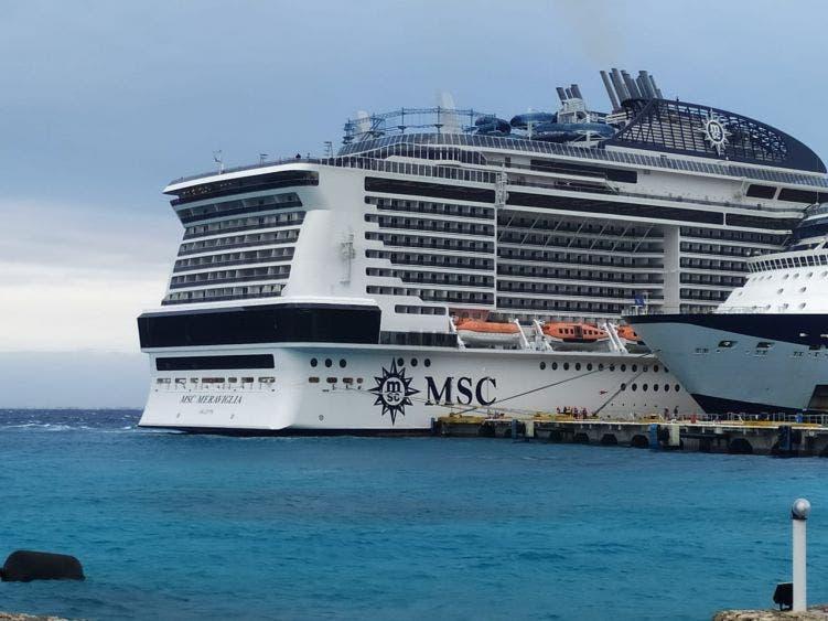 Inspecciona Sanidad Internacional crucero Meraviglia en Cozumel.