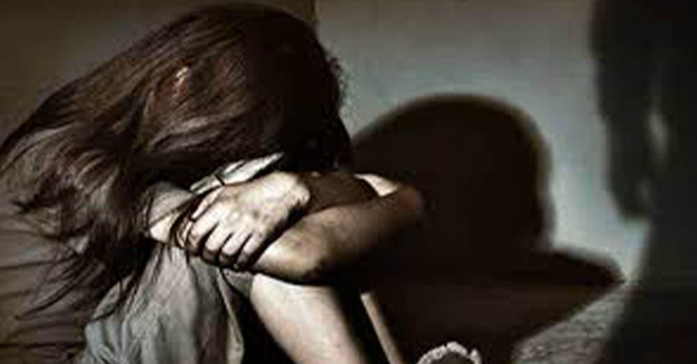 Niña de 8 años muere tras ser violada por 16 hombres