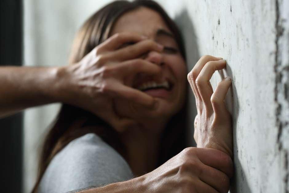Vinculan a proceso a sujeto que abusó de su hijastra en Kanasín