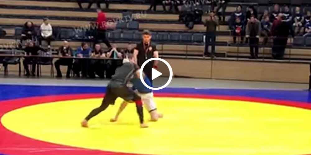 Luchador se fractura el cuello en plena competencia (video)