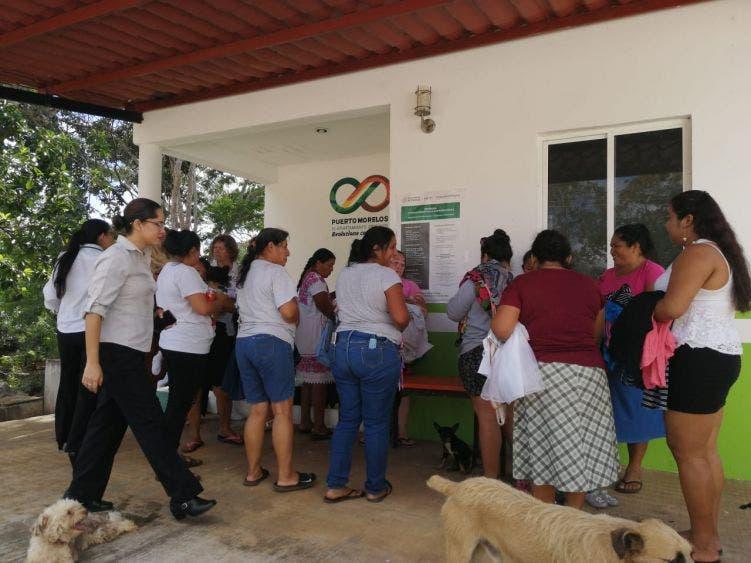 De noviembre a la fecha se ha beneficiado a casi a 400 personas, entre mujeres, niños y adultos mayores, principalmente, señala