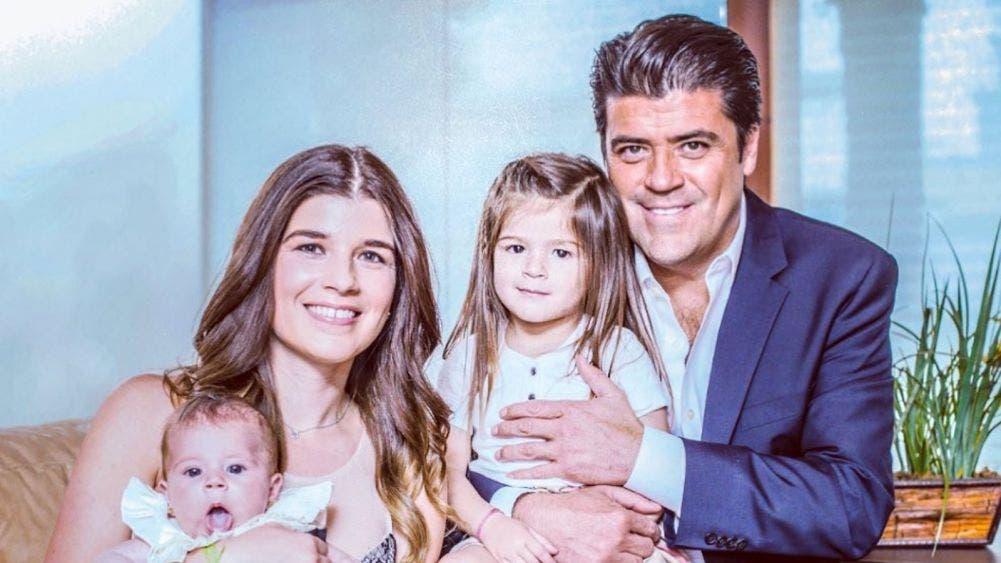 """""""El Burro"""" Van Rankin le pide matrimonio a la madre de sus hijas"""