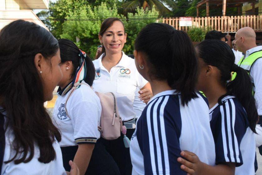 La Presidenta Municipal refrenda su compromiso de ser una aliada de los gobiernos Federal y del Estado, ya que la educación es la columna vertebral de las sociedades
