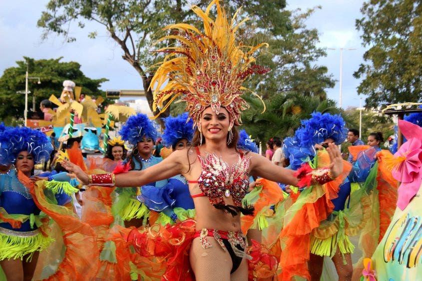 """""""Vamos a tener cinco días de alegría, llenos de color, baile, música y diversión para todos, cancunenses y visitantes, en un ambiente familiar. Estoy segura que una vez más vamos a mostrar, a México y al mundo, la fuerza, la energía y la calidez que nos caracteriza a los cancunenses"""", Mara Lezama. Presidente Municipal de Benito Juárez"""