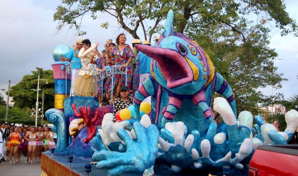 El carnaval la fiesta pagana que más personas celebran y disfrutan en todo el planeta. Son días de baile, disfraces y mucha diversión. Esta festividad, llegó a México desde Europa, a partir del siglo XVI y retoma, diversos elementos de las celebraciones prehispánicas de los aztecas, como las danzas rituales a la Diosa de la Fertilidad, realizadas en fechas cercanas al Equinoccio de Primavera.