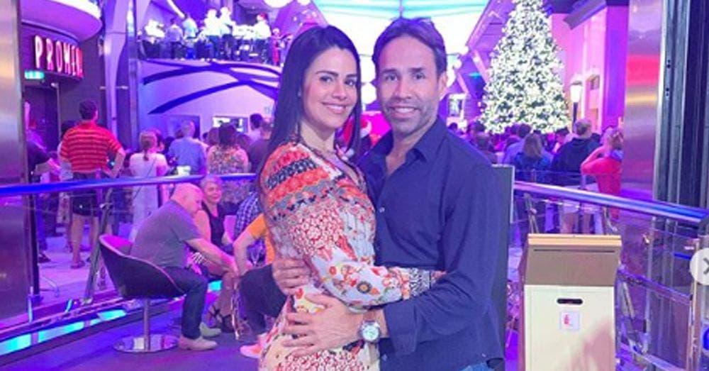 Luz Elena González celebra 16 años de matrimonio en Playa del Carmen