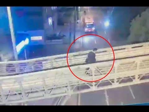 Video: Médico se defiende de asalto y mata a sus atacantes; debaten s se trató de un asesinato o legítima defensa en Colombia.