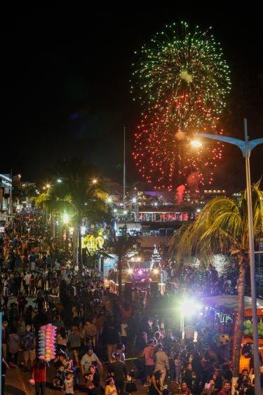 En dos días de desfile de carros alegóricos del Carnaval y bailes populares, se ha registrado una afluencia de más de 40 mil espectadores