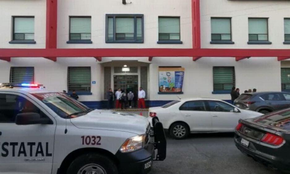 """Alerta en Puebla por amenaza de tiroteo en colegio; activan protocolo """"Mochila Segura"""" por parte del personal de la SSP."""