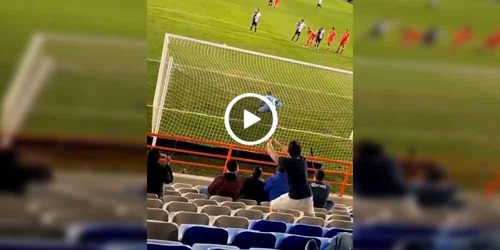 Aficionado aconseja donde tirar el penal y el delantero lo falla (video)