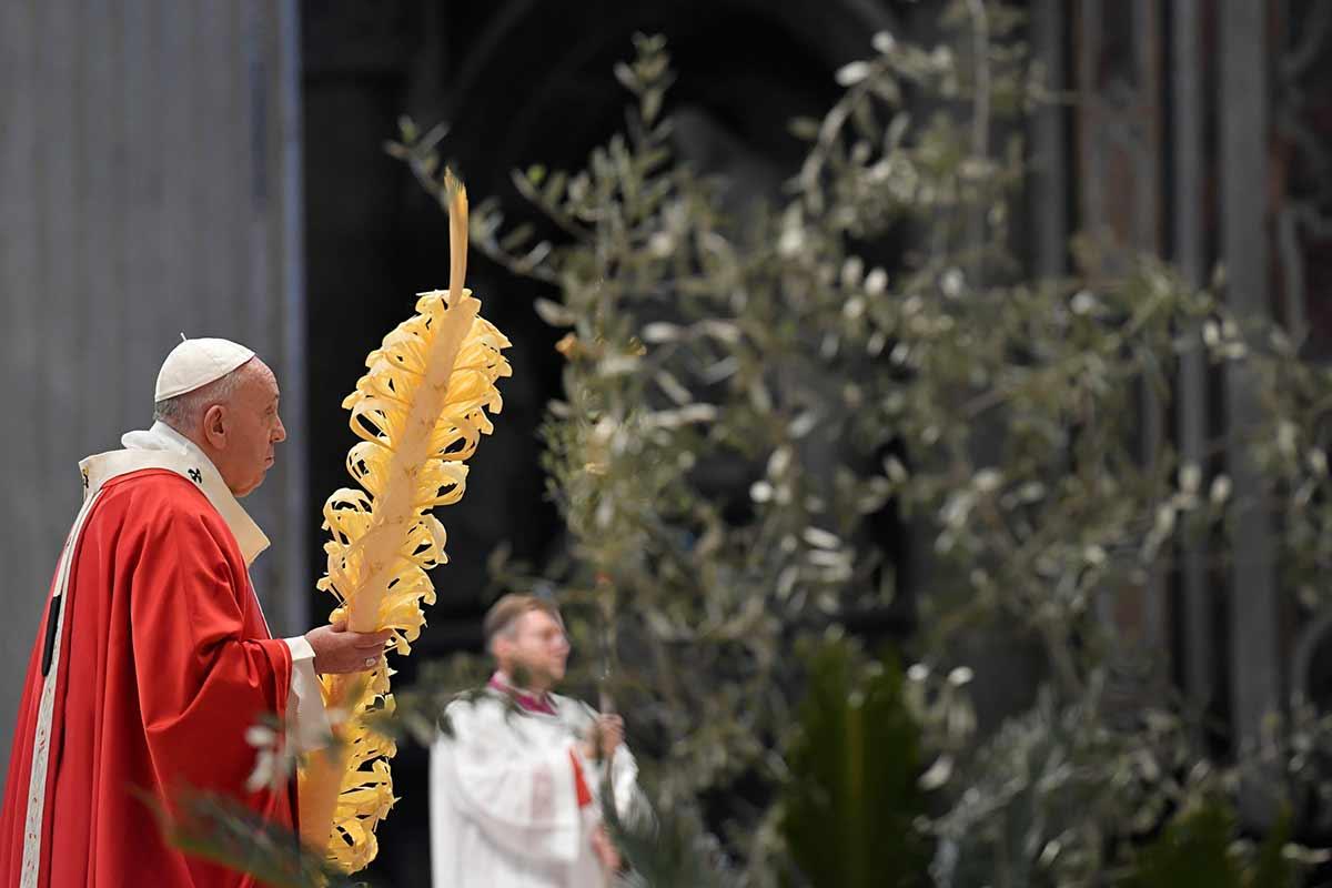 Valentía ante el Covid-19 pide el Papa en el Domingo de Ramos.
