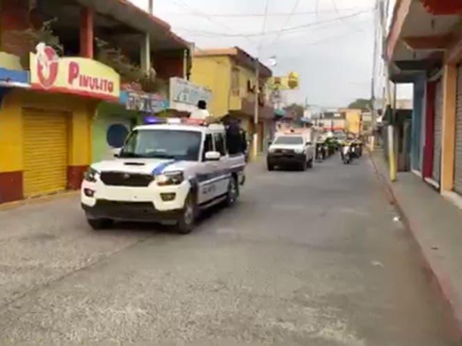 En Guatemala, con patrullas despiden a exacalde ligado a 'El Chapo' Guzmán.