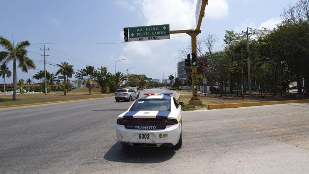 Cierran totalmente avenidas principales en cancún por Covid-19