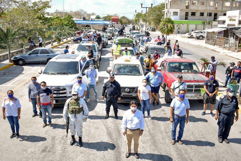 """En dos días se beneficiaron a 3 mil 825 familias de Akumal, Chemuyil, Colonia """"Cristal"""" y zonas irregulares al Oriente y Poniente de la ciudad, informó."""