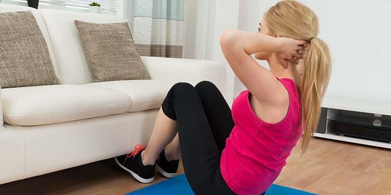 #QuédateEnCasa: Ejercicios para continuar siendo fitness en esta cuarentena