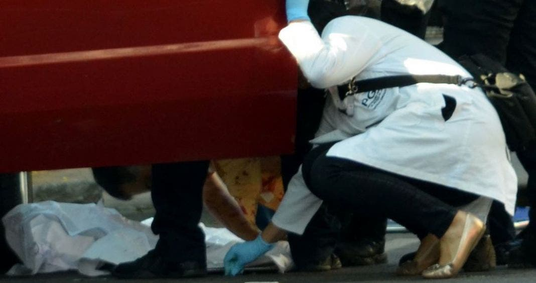 Ataque terrorista en Francia, mata a 2 y deja heridos a 6