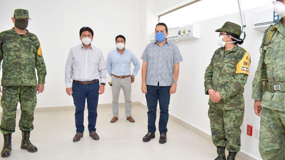 Carlos Joaquín González, verifica avances de habilitación del Hospital Comunitario Tulum