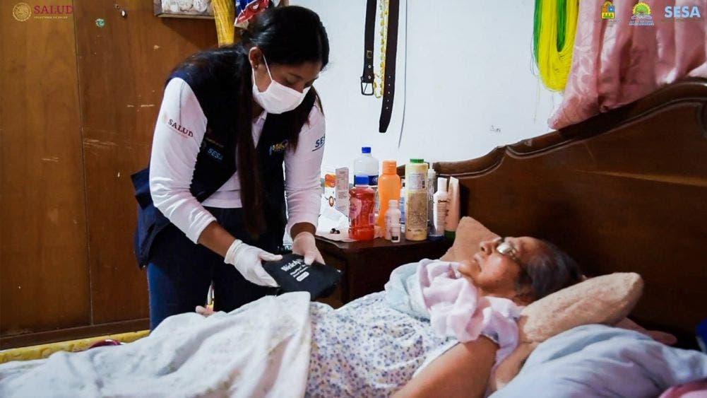 """El programa """"Médico en tu casa"""" está disponible para atender a personas vulnerables y salvar más vidas: Carlos Joaquín"""