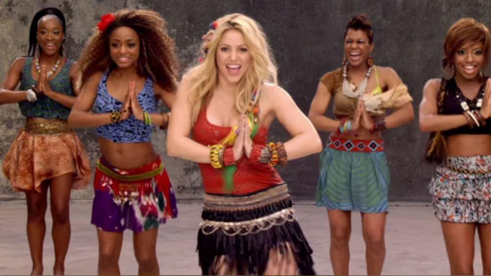 """Adoptan doctores, enfermeras y policías el """"waka waka"""" de Shakira como himno"""