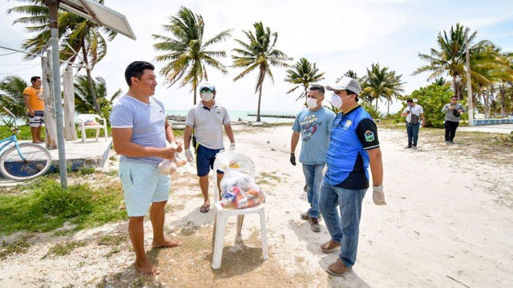 Punta Allen es una comunidad ejemplar, las familias permanecen en sus casas: Víctor Mas