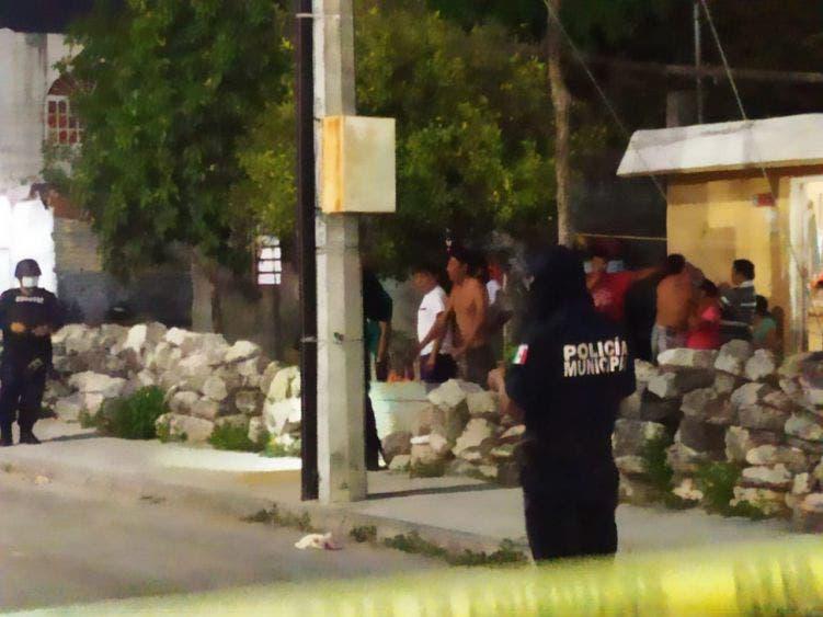 Video: Captan a sujetos disparando en colonia 10 de abril de Cozumel; al parecer fue a causa de una por riña entre narcomenudistas.