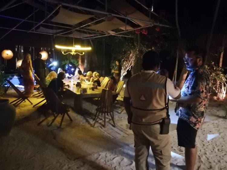 En Tulum 'revientan' fiesta de argentinos en plena cuarentena; el grupo de extranjeros se encontraba reunido en un cenote abandonado.
