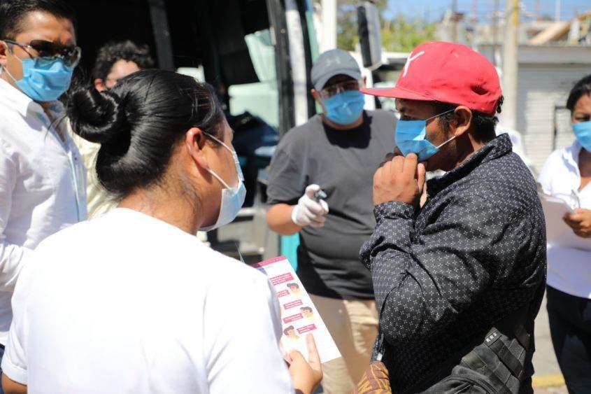 Apoyan a trabajadores para retornar a casa por la pandemia.