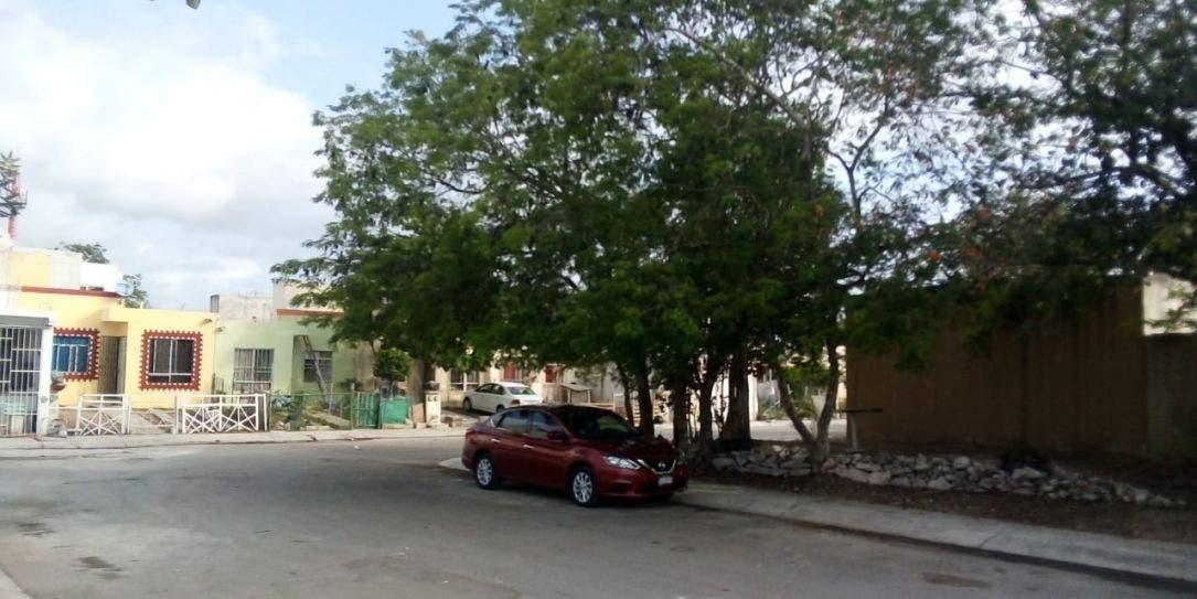Afecta apagón a miles de habitantes en Playa del Carmen.