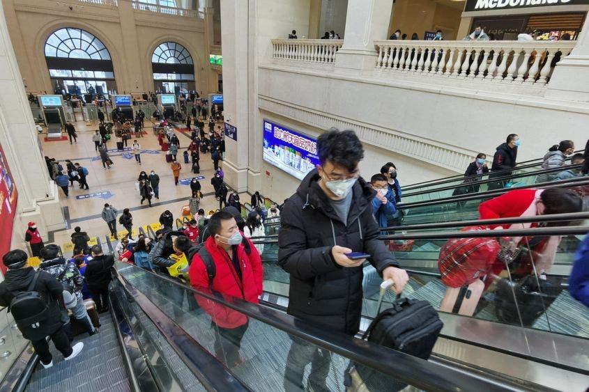 Tras encierro de 76 días, Wuhan intenta regresar a la normalidad