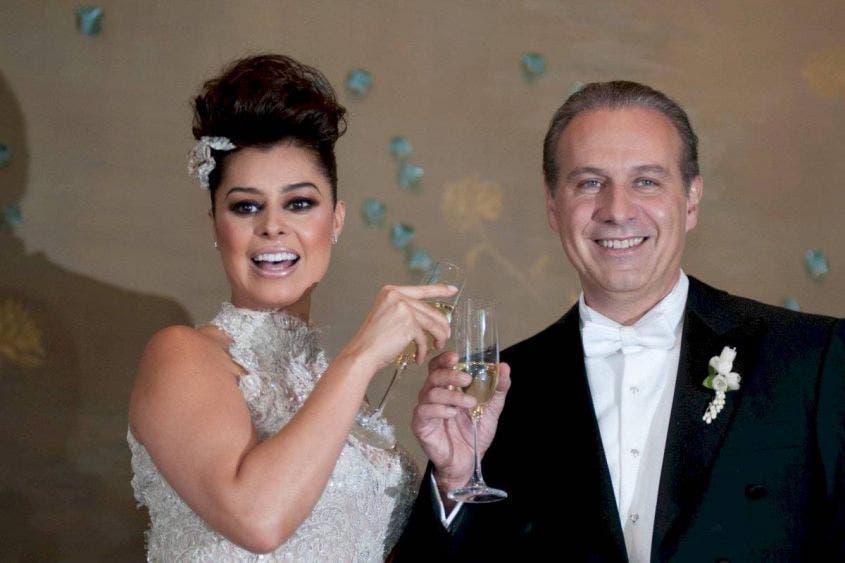 Yadhira Carrillo celebra su aniversario de bodas con Collado en la cárcel