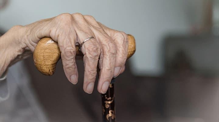 Detienen a sujeto que trató de robarle dinero a una abuelita en el Centro de Mérida