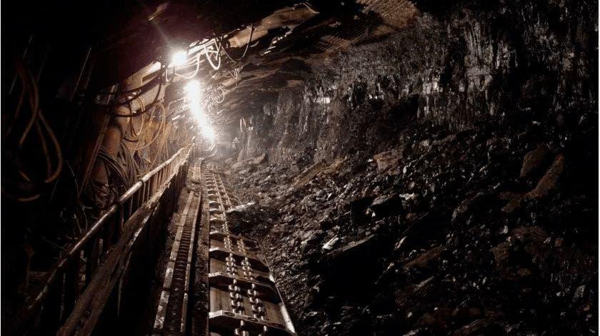 Mueren seis mineros atrapados en mina de carbón en Colombia