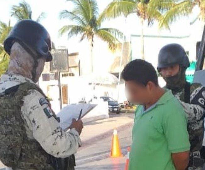 Cozueml: Detectan droga a pasajero en el muelle San Miguel