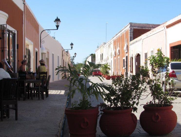 Valladolid: Siguen laborando negocios no esenciales