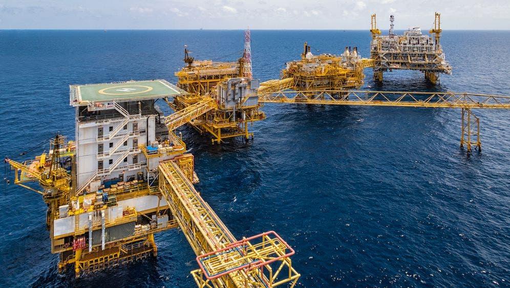 El barril de petróleo mexicano cierra en -2.37 dólares