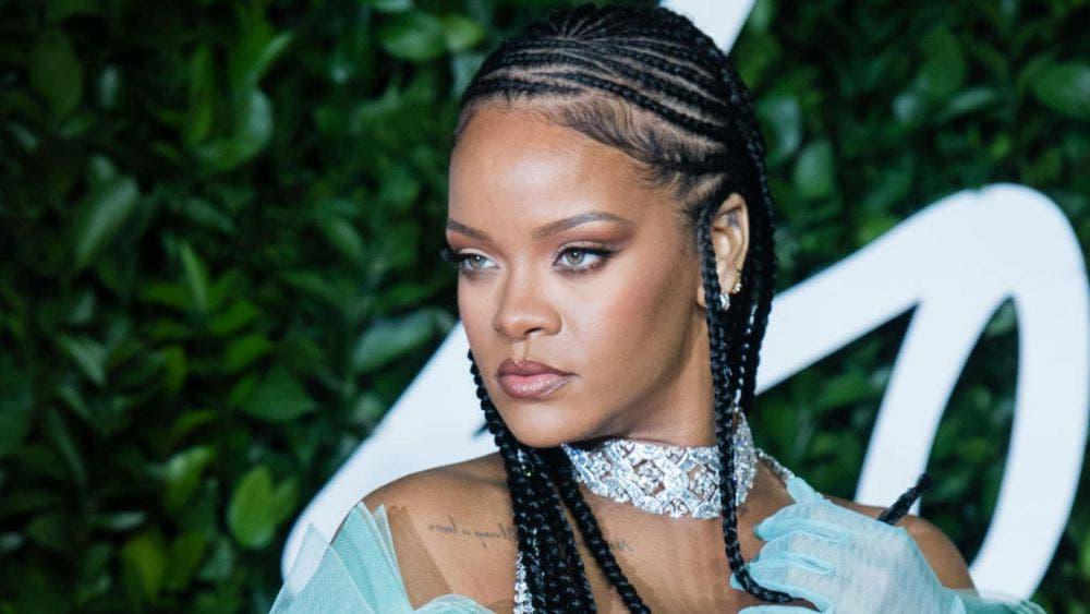 Rihanna pagó 700 mil dólares por un respirador para su padre tras dar positivo a coronavirus